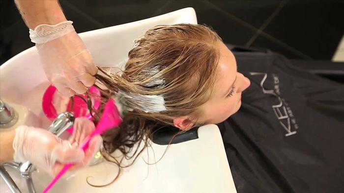 Какие манипуляции лучше проводить с волосами в полнолуние