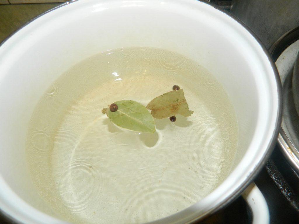 Ставим кипятиться воду